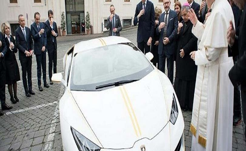 Pope Gets €185,000 Lamborghini As Gift – But Instead Auctions It For Charity