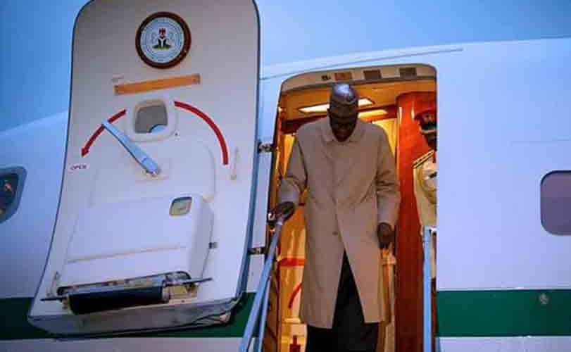 Photos: President Buhari arrives Paris ahead of One Planets Summit