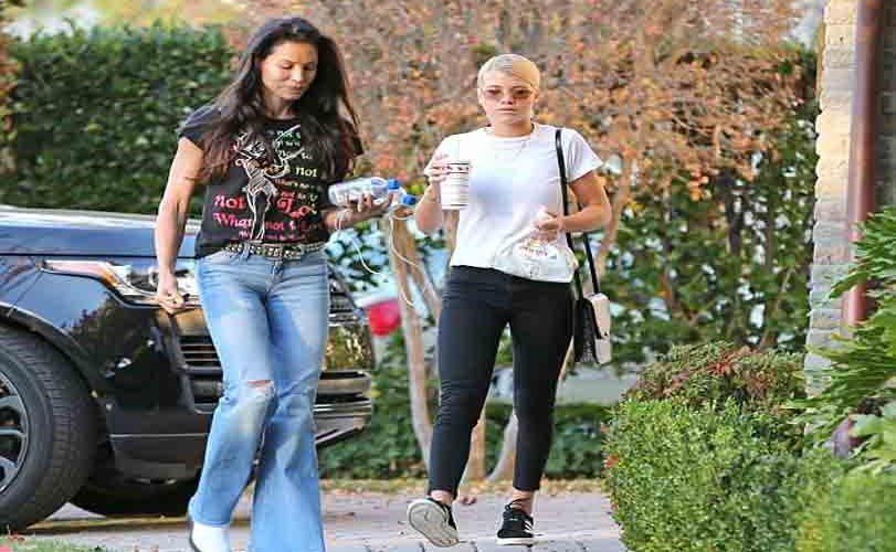 Photos: Sofia Richie visits boyfriend Scott Disick home with her mother Alexander