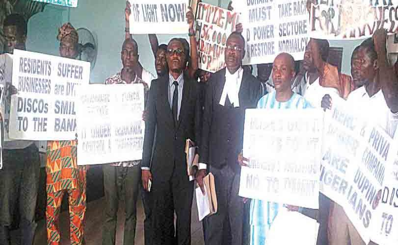 Three groups protest against electricity tariff hike