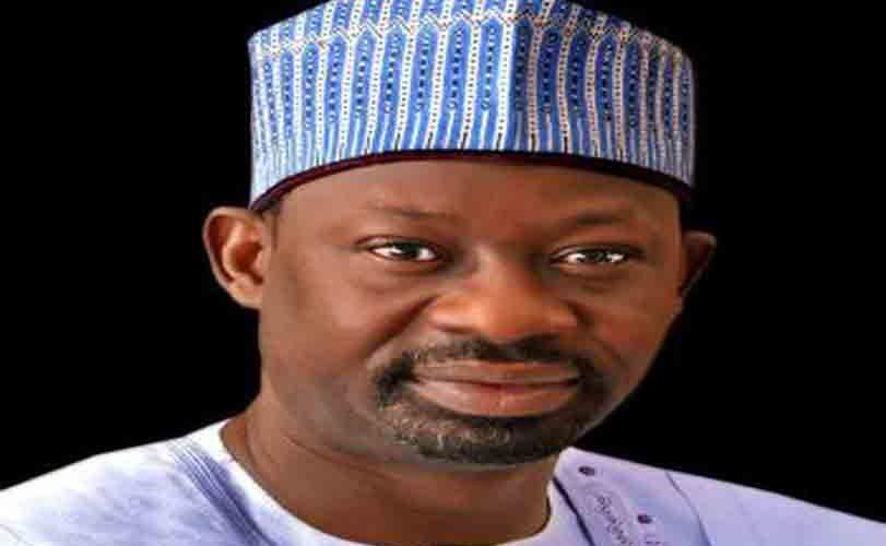 Gombe state governor, Ibrahim Dankwambo, trolls President Buhari on Twitter