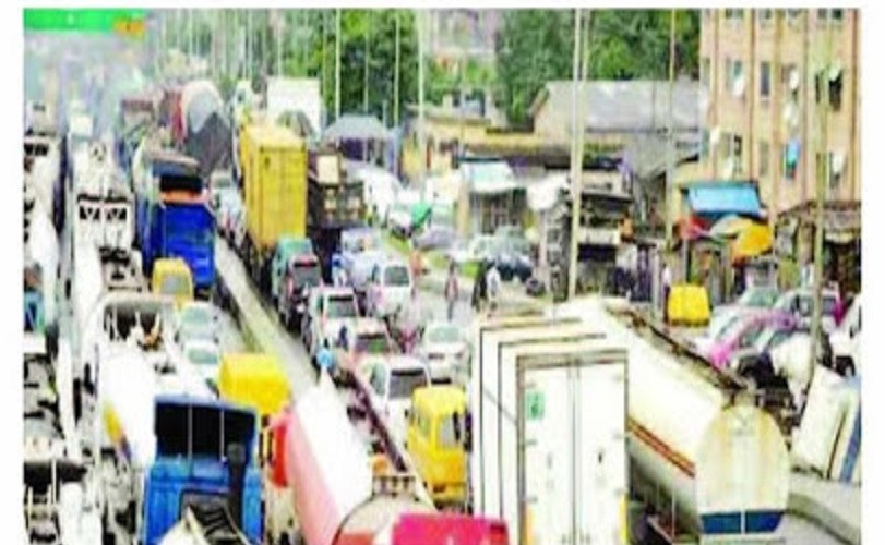 Protest in Lagos as F-SARS Officer kills truck driver over bribe