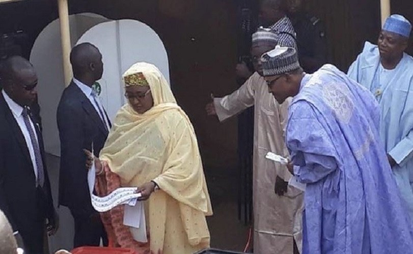 The Moment President Buhari Tried To Confirm Who Aisha Voted For (Photo)