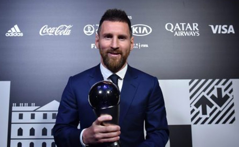 Messi injured in Barcelona narrow win against Villarreal