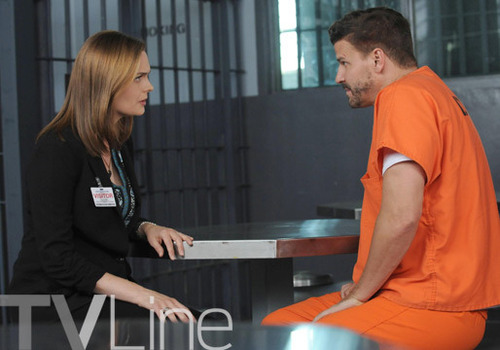 Booth e Brennan Season Premiere 10x01 The Conspiracy in the Corpse Bones 10
