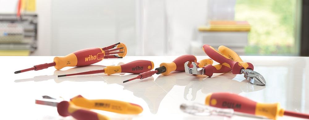 Wiha bietet ein breites Sortiment an VDE Handwerkzeuglösungen.