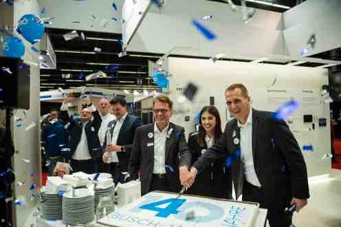Zur Feier des 140-jährigen Bestehens kam u.a. Adalbert M. Neumann, Vorsitzender der Geschäftsführung von Busch-Jaeger. (Foto: Marc Schwarz)