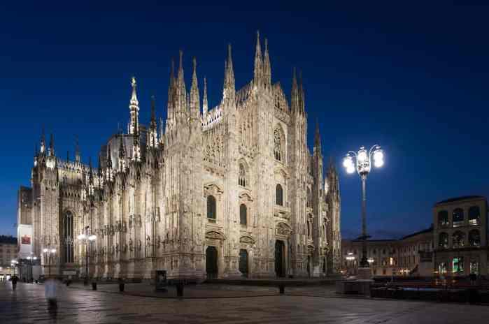 Der Dom strahlt ein für die ganze Stadt symbolisches Licht aus. (Bild: Erco/Moritz Hillebrand)