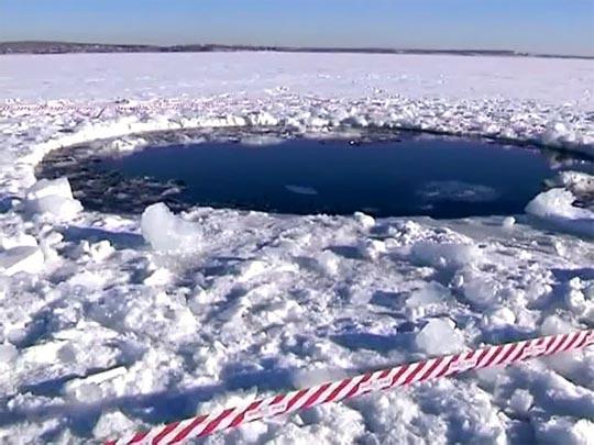 隕石が落下したチェバルクリ湖