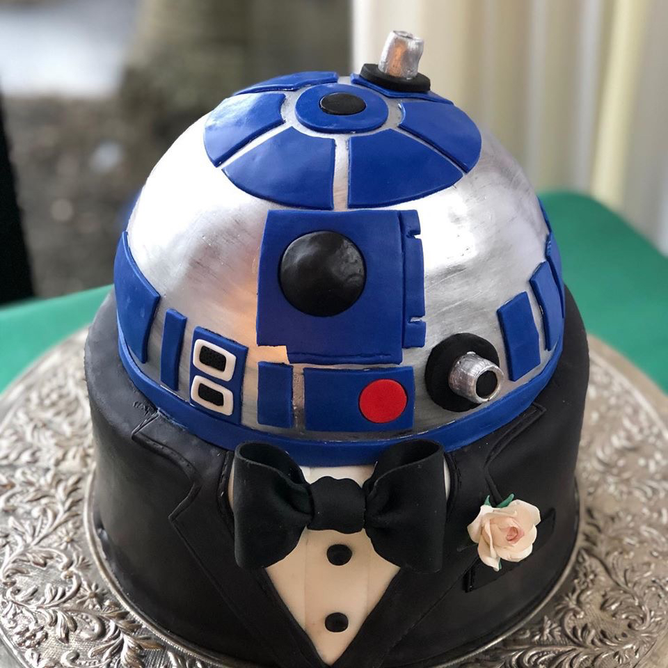 My groom's cake for my wedding this past weekend came out looking epic!