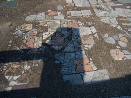 Pavimento, Sinagoga Ostia Antica [Wolfram Grajetzki]