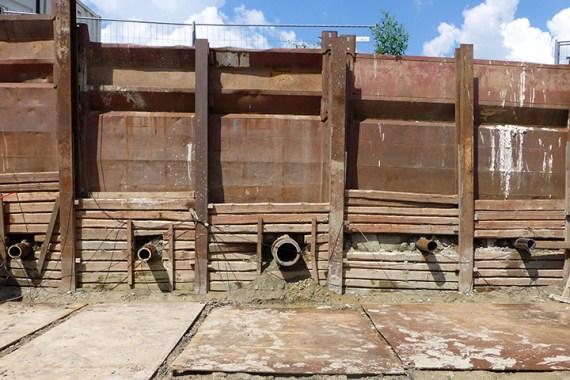 Bild Großfeldversuchsstand eines grabenlos eingebrachten L-EWT