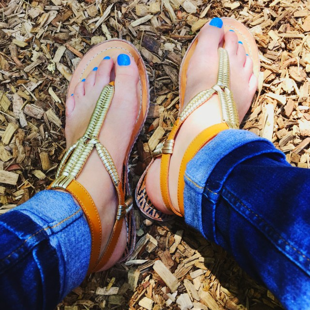 I Adore What I Love Blog // WEEKLY WINS #20 // Dolce Vita Sandals // www.iadorewhatilove.com #iadorewhatilove