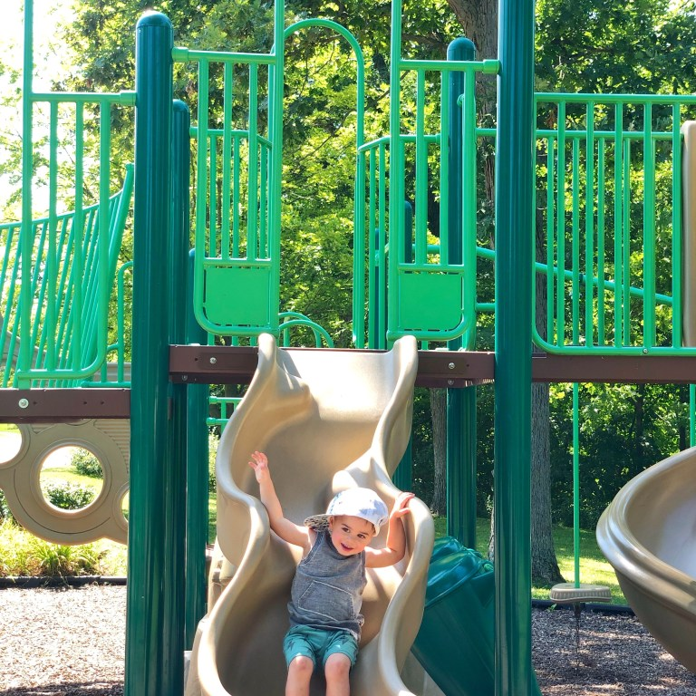 11 LOCAL PARKS IN CHICAGO'S NORTH SHORE THAT YOU NEED TO GO TO BEFORE WINTER ARRIVES:: I Adore What I Love Blog :: www.iadorewhatilove.com #iadorewhatilove