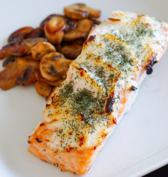 Looking for a delicious + EASY dinner fit for the whole family? My Garlic Dill Salmon is a crowd pleaser every time + just 3 ingredients!