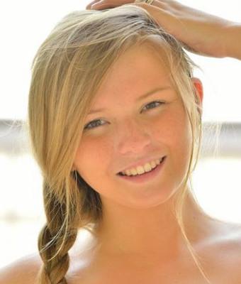 Headshot of Melissa May