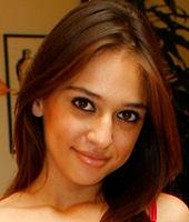Headshot of Sara Luvv