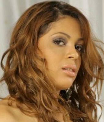 Headshot of Viviane Mel