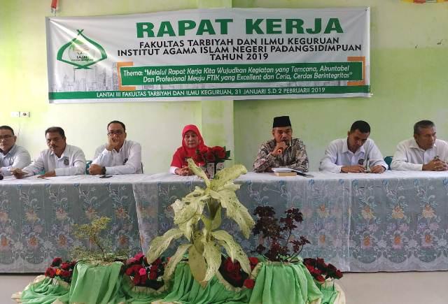 Gelar Rapat Kerja, FTIK IAIN Padangsidimpuan Prioritaskan Akreditasi