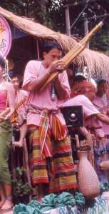 khenesarong