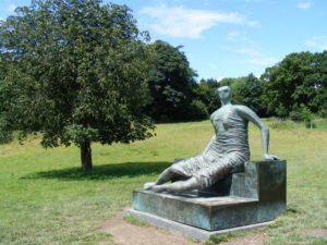 Reclining_Figure_at_Yorkshire_Sculpture_Park_-_geograph.org_.uk_-_519117