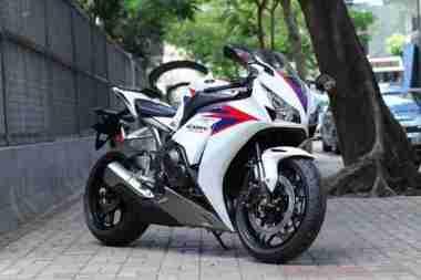 2012 Honda CBR1000RR 11