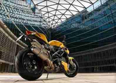 Ducati 848 Streetfighter EVO 12