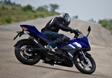 New Yamaha R15 V2.0 2011 38