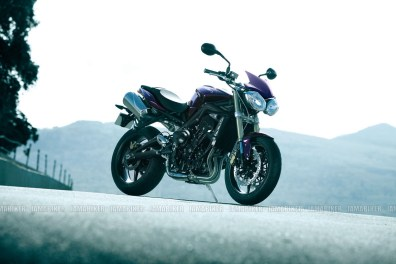 Triumph Speed triple 2012 13 IAMABIKER