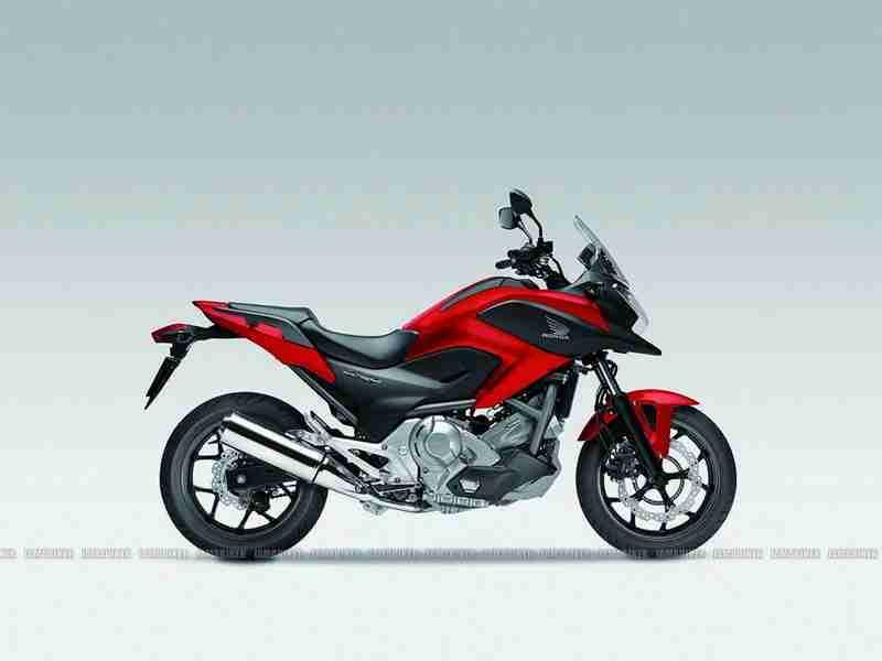 Honda NC700X 04 IAMABIKER