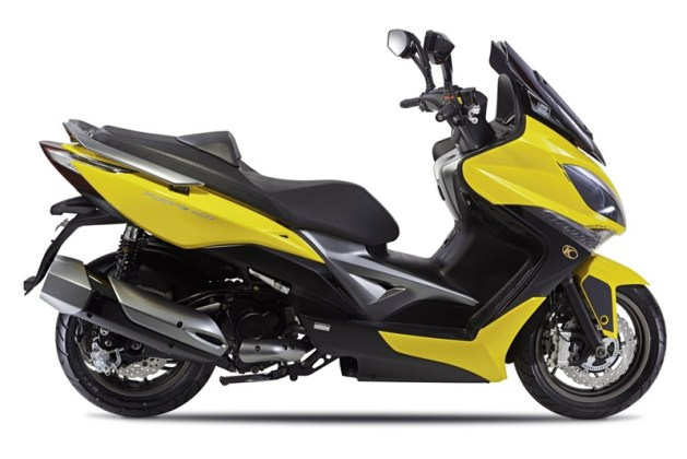 KYMCO Xciting 400i for 2012 01 IAMABIKER