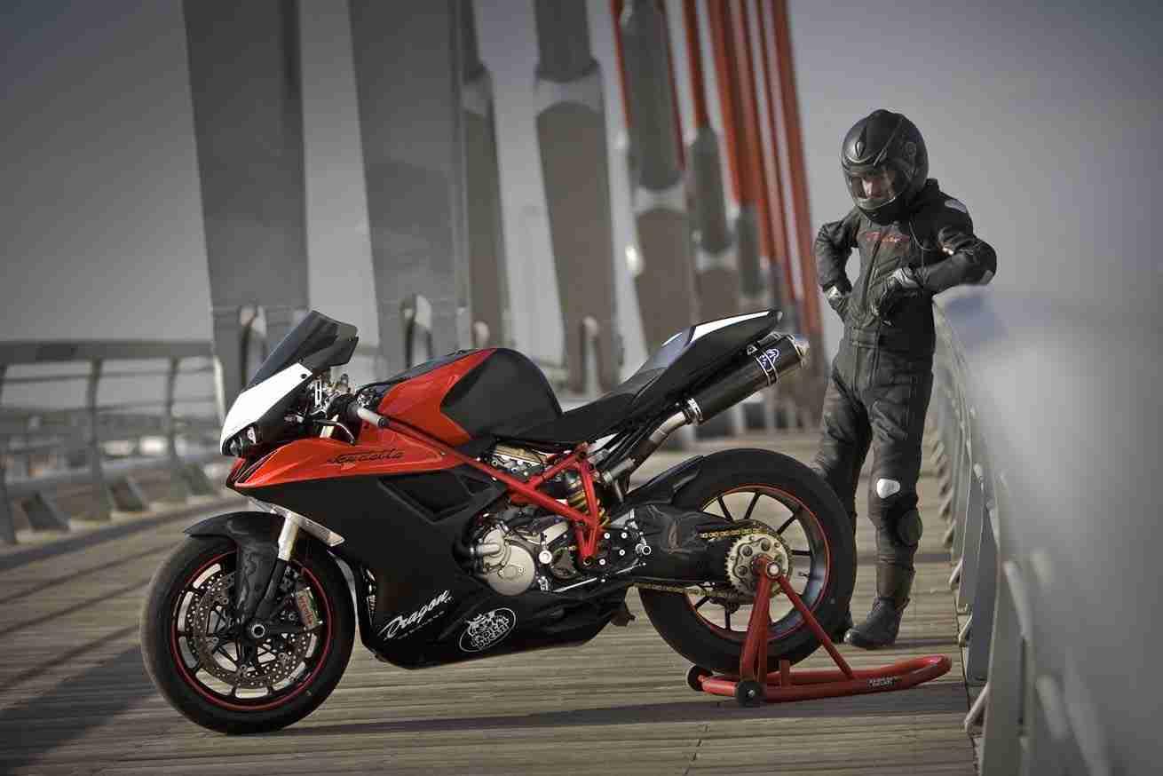 Vendetta bodykit for your Ducati from Radical Ducati and Dragon TT  06 IAMABIKER
