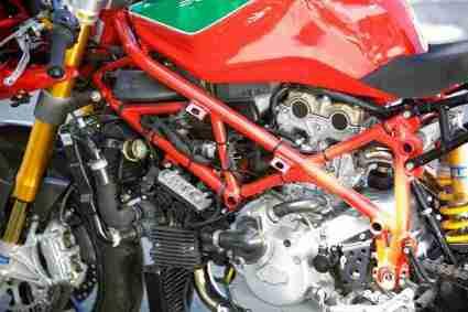 Radical Ducati 750 Daytona 01 IAMABIKER