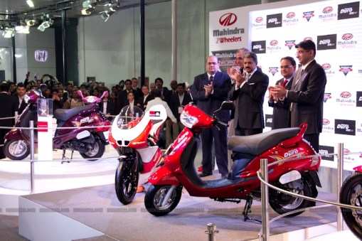 Mahindra 2 wheelers Auto Expo 2012 06