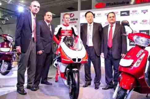 Mahindra 2 wheelers Auto Expo 2012 09