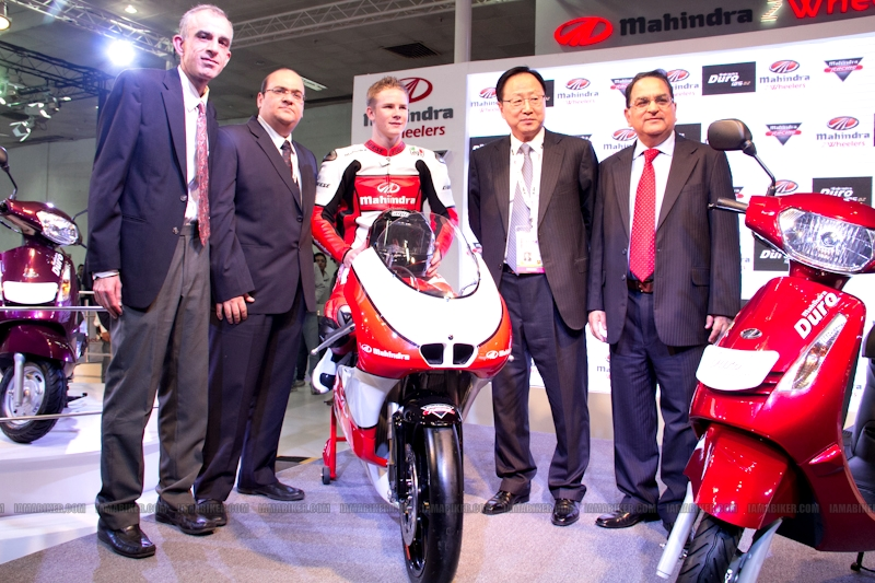 Mahindra 2 wheelers Auto Expo 2012 09
