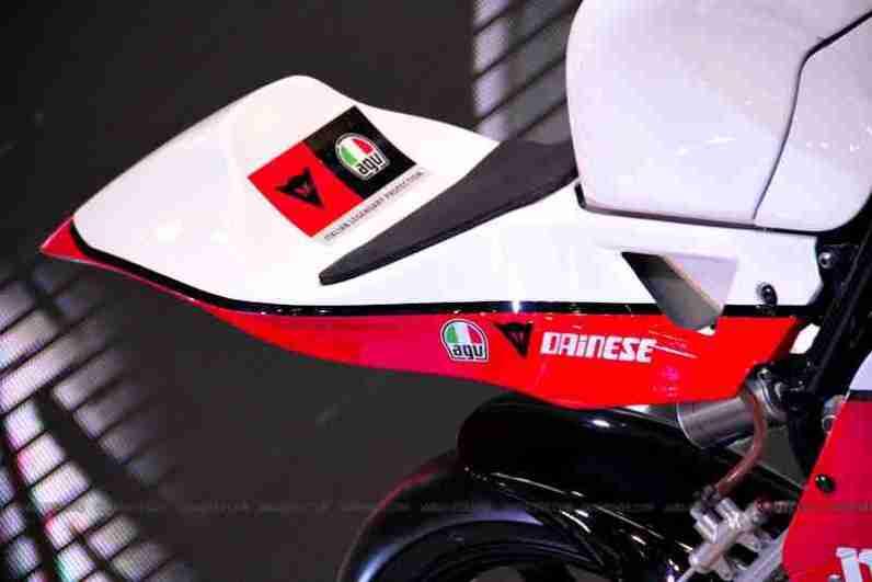 Mahindra 2 wheelers Auto Expo 2012 12
