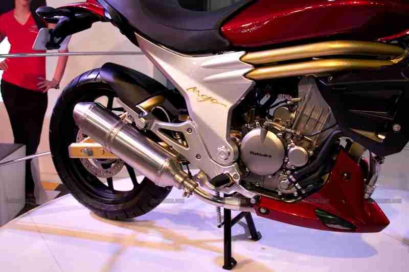 Mahindra 2 wheelers Auto Expo 2012 India 23