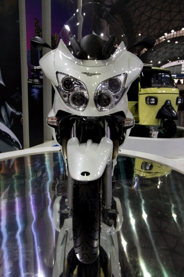 Moto Guzzi - Piaggio Auto Expo 2012 India 08