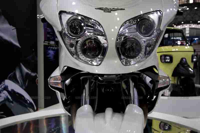 Moto Guzzi - Piaggio Auto Expo 2012 India 09