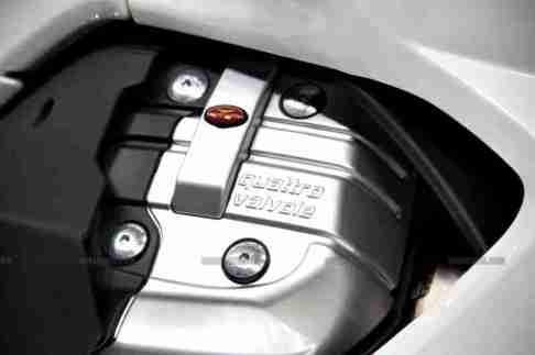 Moto Guzzi - Piaggio Auto Expo 2012 India 16