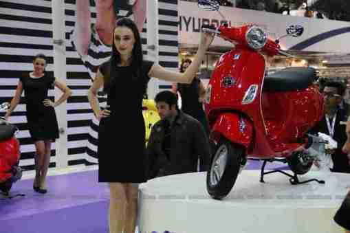 Vespa - Piaggio Auto Expo 2012 India 02