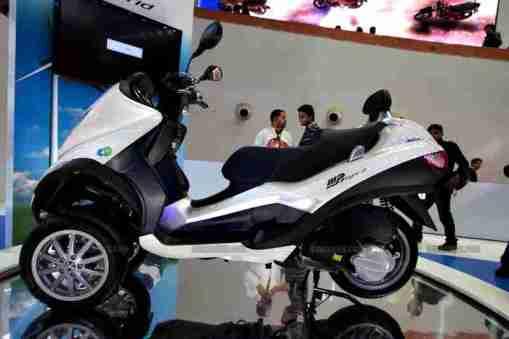Vespa - Piaggio Auto Expo 2012 India 23