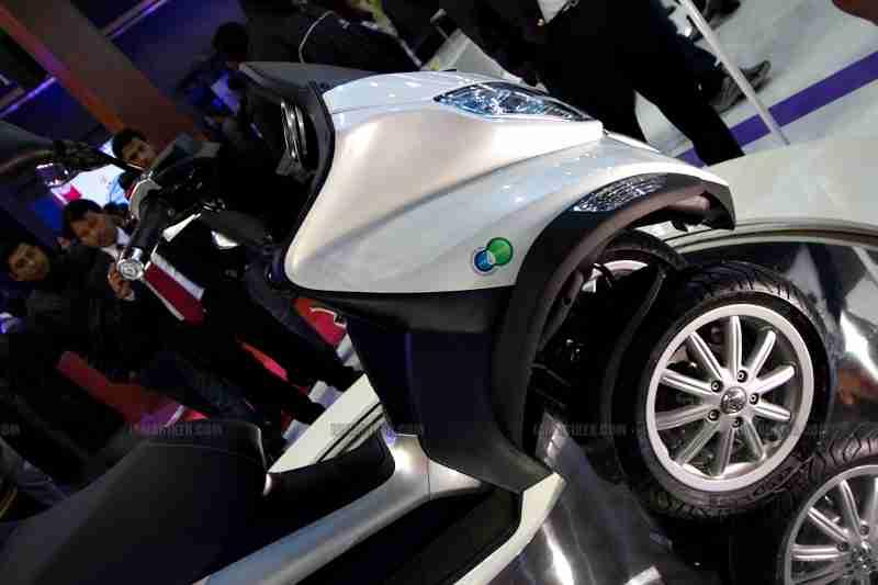 Vespa - Piaggio Auto Expo 2012 India 25