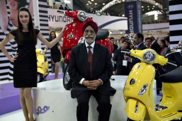 Vespa - Piaggio Auto Expo 2012 India 36