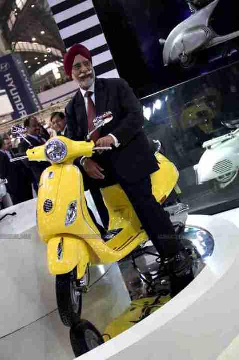 Vespa - Piaggio Auto Expo 2012 India 38