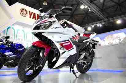 Yamaha R15 V 2.0 50th Anniversary edition Auto Expo 2012 India 26