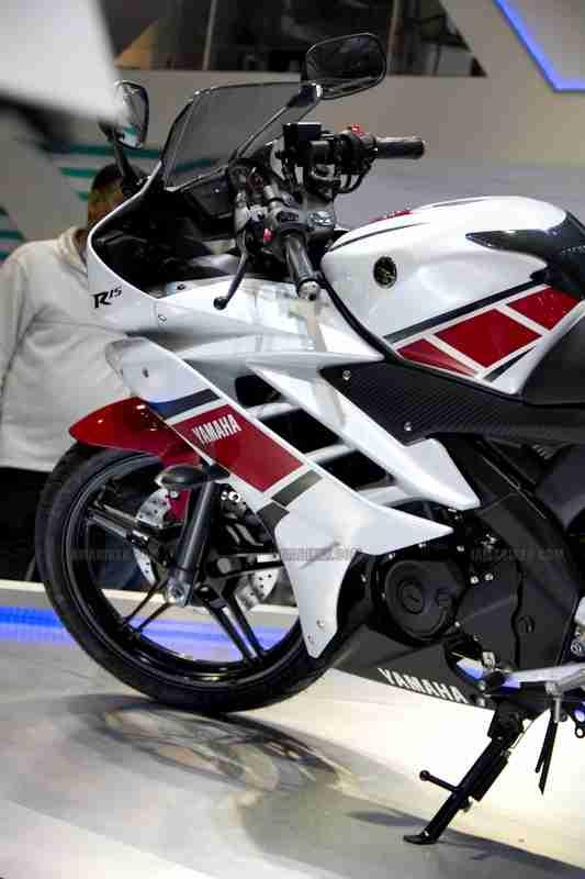 Yamaha R15 V 2.0 50th Anniversary edition Auto Expo 2012 India 30