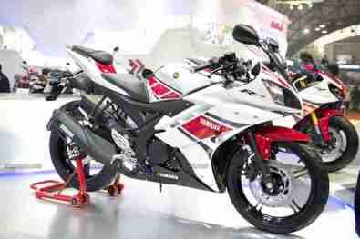 Yamaha R15 V 2.0 50th Anniversary edition Auto Expo 2012 India 35