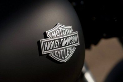 Harley Davidson Sportster Seventy-Two and Softail Slim 12